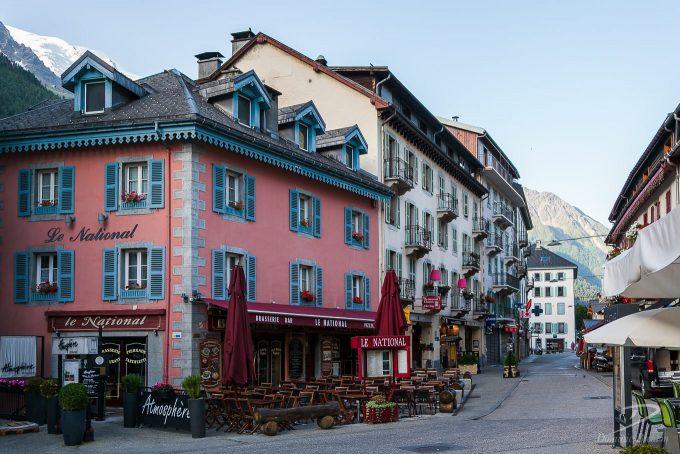 Le National Bar & Brasserie in Chamonix.